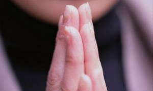 wanita-muslim-berdoa-_120503210642-348