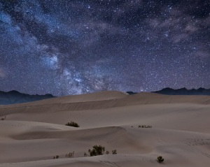 desert_night_sky_by_monkypoo-d52lpy6